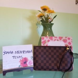 Handbags - ⭐⭐SOLD⭐⭐LV Neverfull Pouch